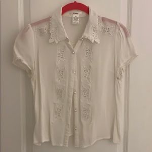 White lace collar top